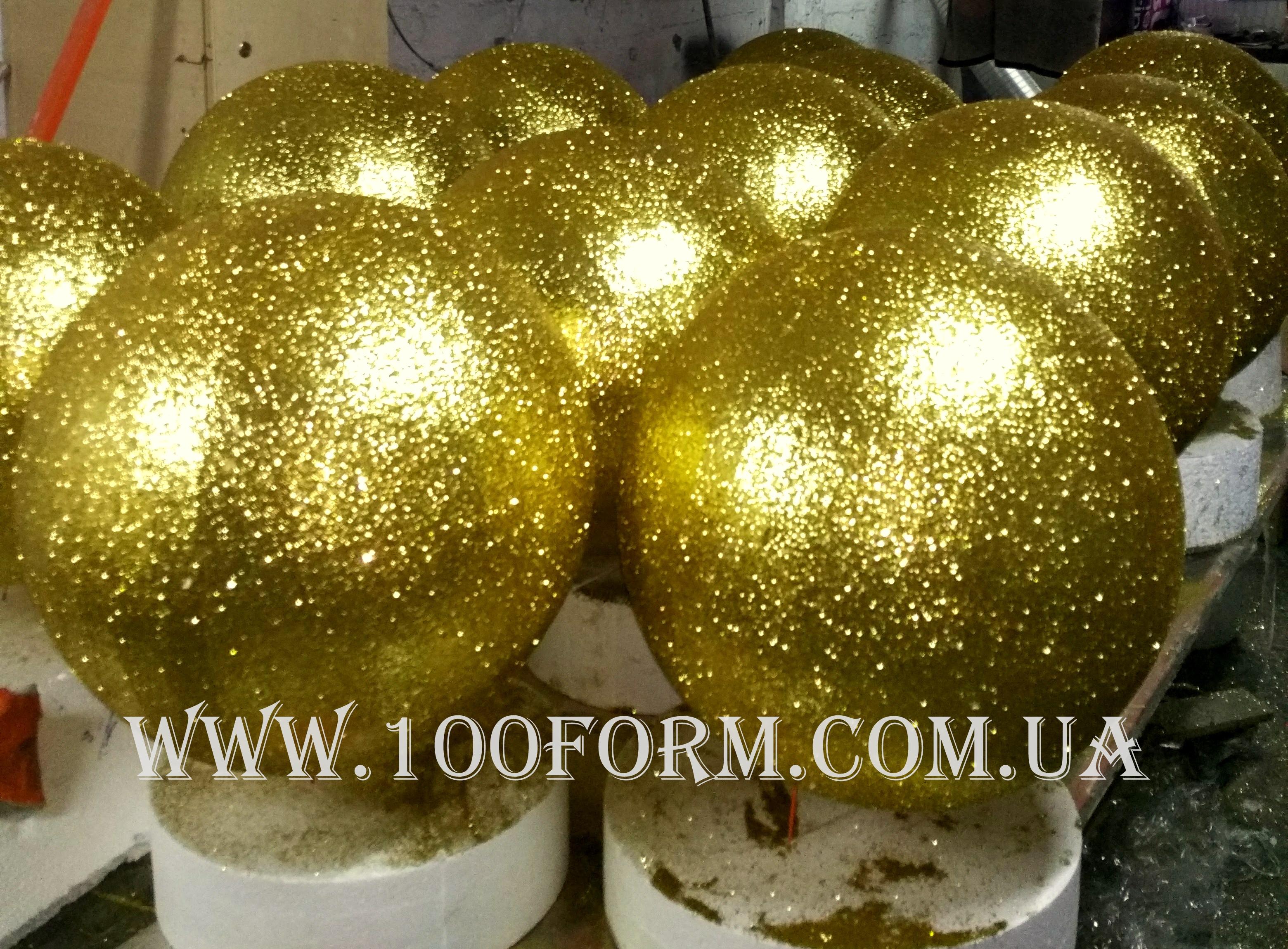 декор из пенопласта, шары из пенопласта на Новый год