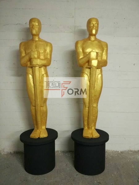 Оскар из пенопласта